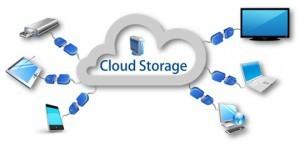 Cloud storage conservazione dati e backup di dati aziendali su server virtuali e server dedicati